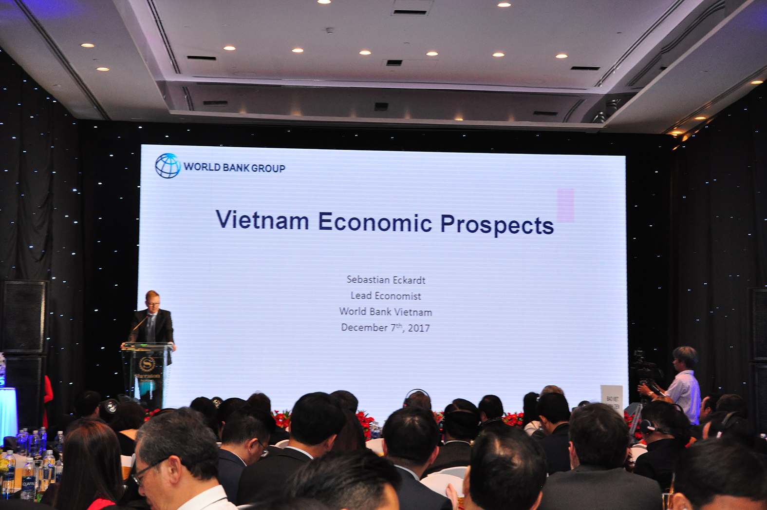 VIETNAM ECONOMIC OUTLOOK 2018